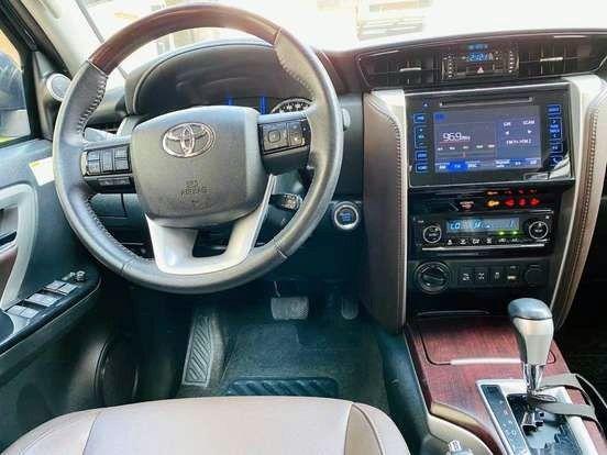 Ágio: Hilux SW4 2.8 SRX 4x4 7 Lugar 16v Turbo Diesel AT - Entr. R$ 97.699 + Parc. R$ 3.749 - Foto 17