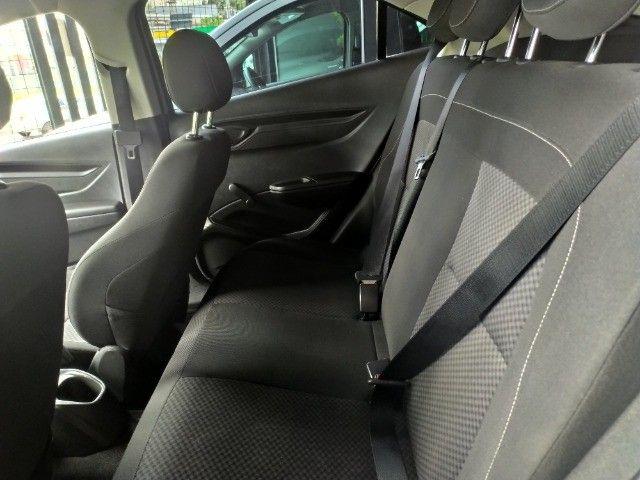 Chevrolet Onix 1.0 Flex 2020 Completo ( Aceitamos troca e financiamos ) - Foto 3