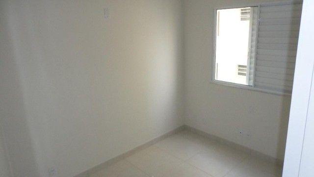 Apartamento com 2 quartos, 50 m², aluguel por R$ 700/mês - Foto 5