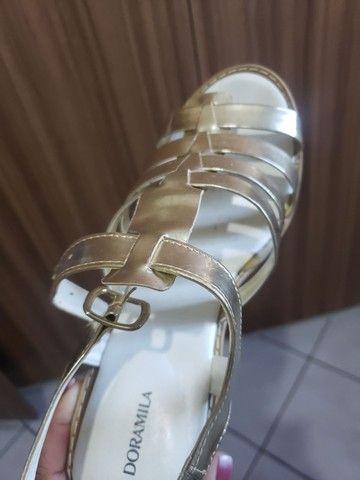 Sandália doramila tamanho 39 - Foto 2
