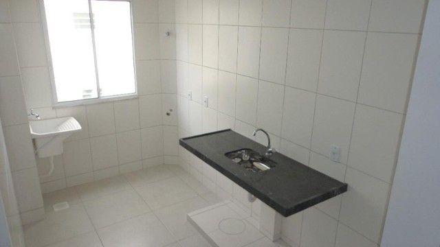 Apartamento com 2 quartos, 50 m², aluguel por R$ 700/mês - Foto 6
