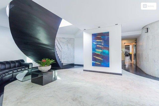Apartamento com 290m² e 3 quartos - Foto 2