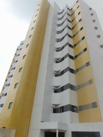 Capim Macio 02 quartos/suíte-Próximo da UNP - andar intermediário