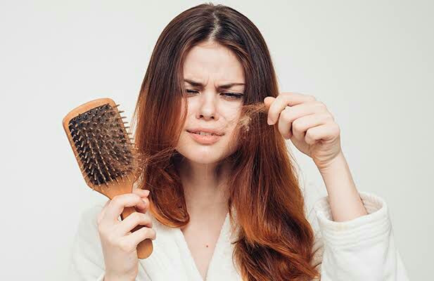 Como acabar com queda de cabelo e acelerar o crescimento