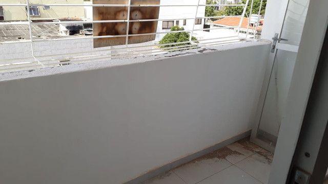 Apartamento pilotis terceiro andar em Jardim Atlântico  - Foto 7