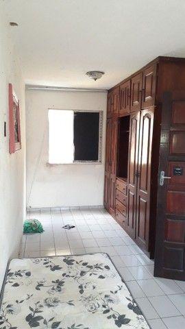 Apartamento de 02 quartos no Bequimão semi mobiliado - Foto 5