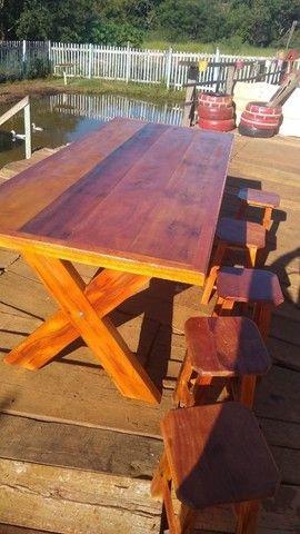 Mesa com bancos ou banquetas madeira demolição peroba rosa  a pronta entrega  - Foto 3