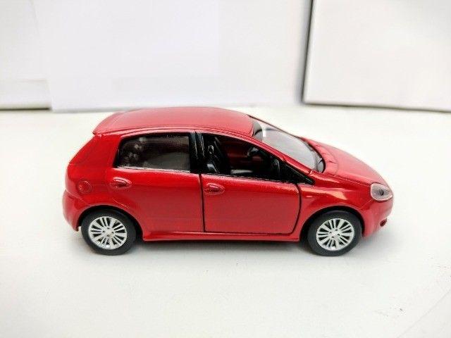 Miniatura Fiat Punto Vermelha - Foto 5