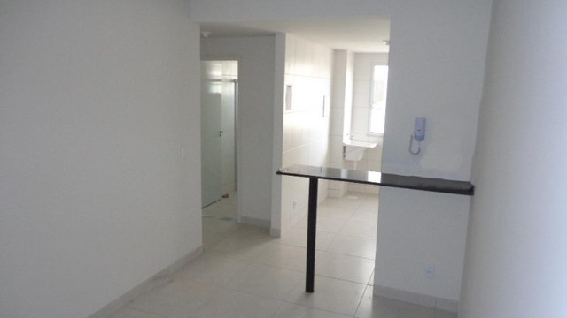Apartamento com 2 quartos, 50 m², aluguel por R$ 700/mês