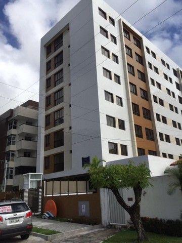 Apt em Cabo Branco uma rua para o mar,2 quartos,sendo 1 suíte e wc social