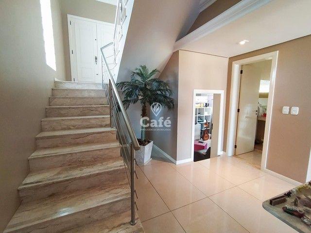 Casa possui 356,07 m² útil, com 4 amplos dormitórios, 2 Suítes sendo 2 master, piscina e s - Foto 7
