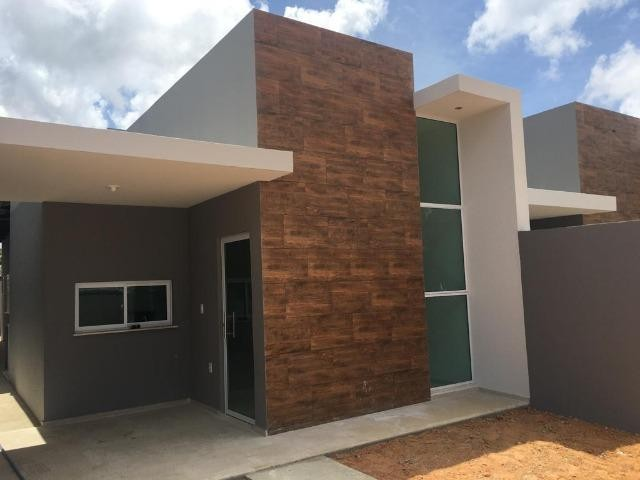 Casa plana, 03 quartos sendo 01 Suítes, Precabura - Eusébio/CE