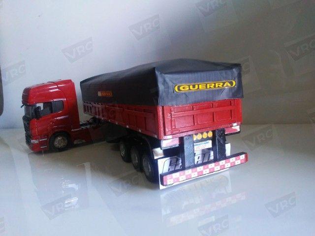 Miniatura conjunto Scania + carreta graneleira. Escala 1/32 - Foto 5