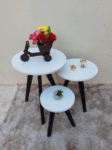 mesas mesinhas kit com 3 tres mesas para decorar sua casa/loja e presentear sua mae - Foto 3