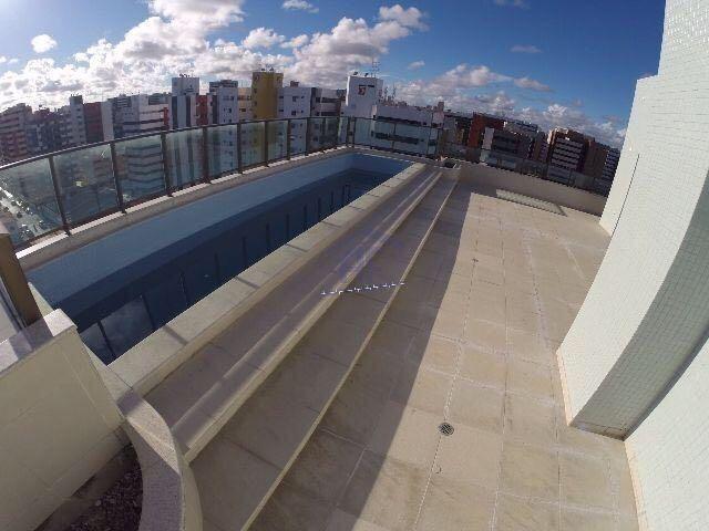 Cobertura nova com piscina e 4 suítes (1 máster) - Edifício Chateau Lafite - Ponta Verde