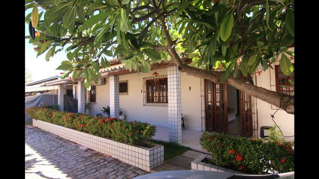 Casa térrea 3/4 1 suíte dependência 4 vagas piscina farol de Itapuã praia na esquina!!
