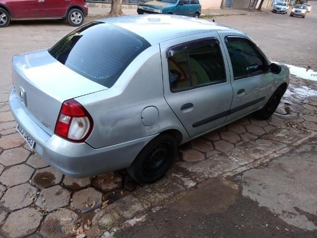Renault Clio sedan 1.6 completo - Foto 8