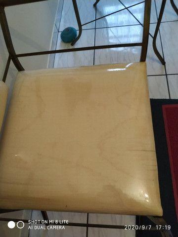 Vende se duas cadeiras de ferro - Foto 3