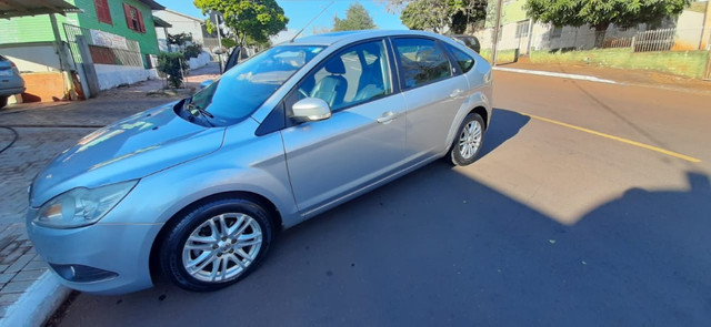 Vendo ford focus hatch 2.0 aut. flex