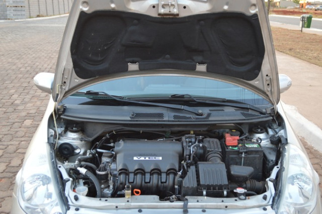 Honda Fit EX cvt - apenas 86 mil km! 08/08 - Foto 10