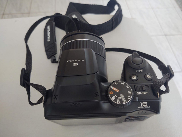 Camera semi profissional fuji film S48000 16mp - Foto 5