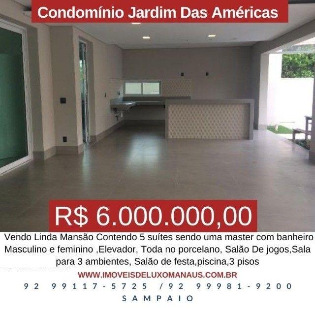 Vendo Linda Mansão na Ponta Negra, com 5 suítes e elevador.