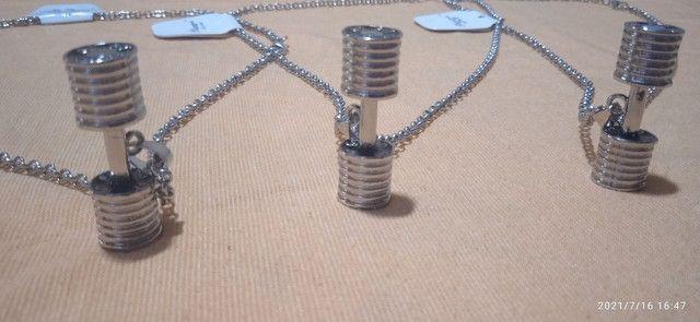 Cordões novos de aço com alteres de musculação. - Foto 5
