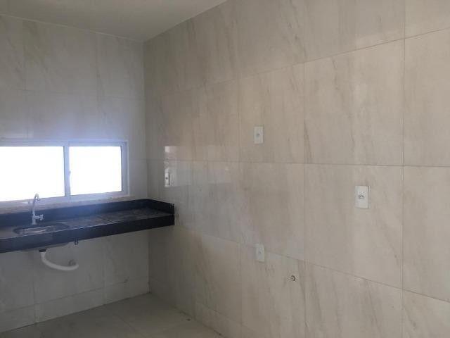 Casa plana, 03 quartos sendo 01 Suítes, Precabura - Eusébio/CE - Foto 2