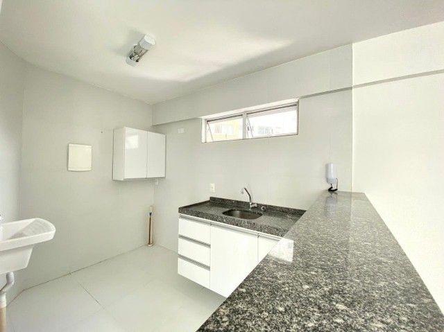 Excelente apê de 2 quartos e 2 vagas cobertas no Espinheiro - Foto 8