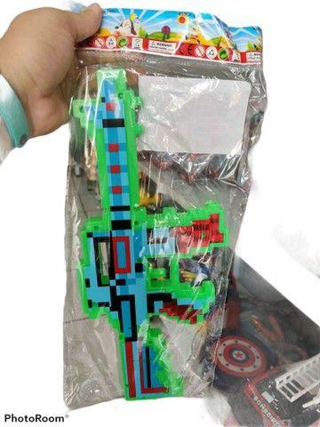 Arma do Minecraft laser som e música muito top. - Foto 3