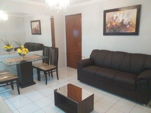 Alugo um Apartamento com Mobília Completa.