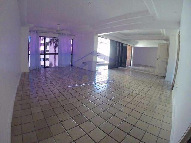 Apartamento com 4 quartos sendo 2 suítes - Edifício Casagrande - Ponta Verde