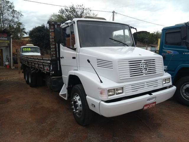 MB 1618 Truck Reduzido
