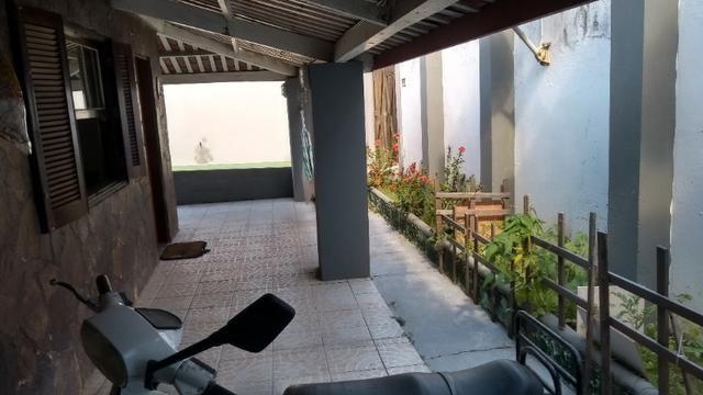 Casa com quintal em Itapuã em Excelente localização!(Veja o vídeo no Youtube!) - Foto 5