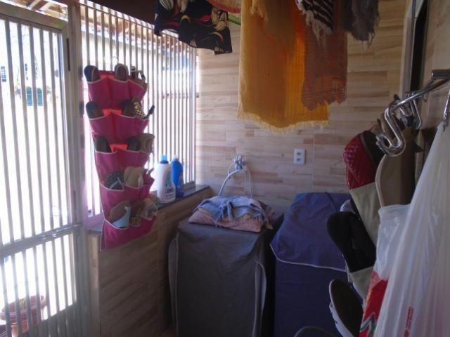 Vendo Casa Com 3 Quartos Sendo 1 Suítes Centro Araruama Próxima A Igreja Católica - Foto 8