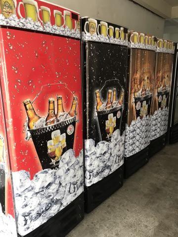 ?cervejeira 572 litros semi nova plotada