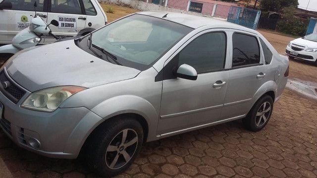 Vendo carro Ford Fiesta Sedan  - Foto 2