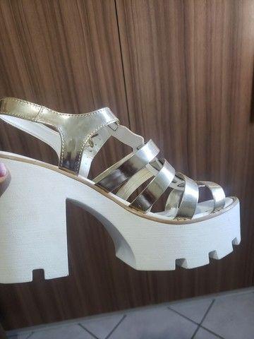 Sandália doramila tamanho 39 - Foto 3