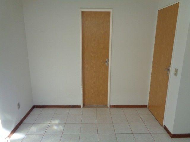 Apartamento com 3 quartos, 70 m², aluguel por R$ 800/mês - Foto 6