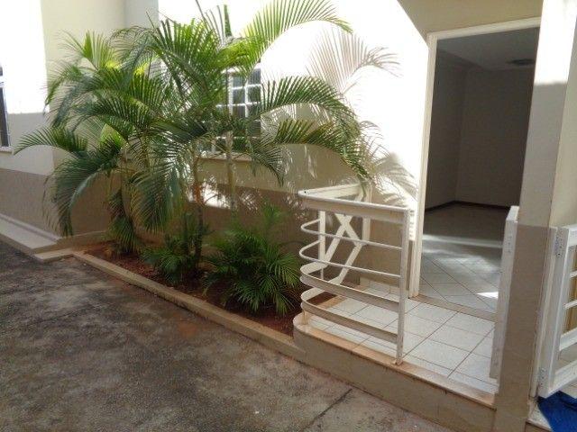 Apartamento com 3 quartos, 70 m², aluguel por R$ 800/mês - Foto 14