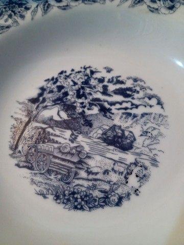 Seis pratos fundos em porcelana com cena de campo e flores - Foto 3