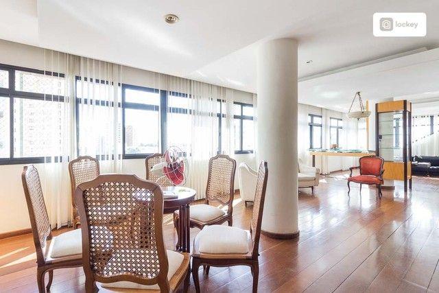 Apartamento com 190m² e 3 quartos