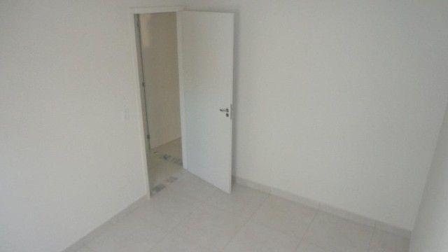 Apartamento com 2 quartos, 50 m², aluguel por R$ 700/mês - Foto 4