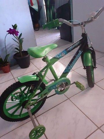 Bicicleta infantil bem conservado  - Foto 5