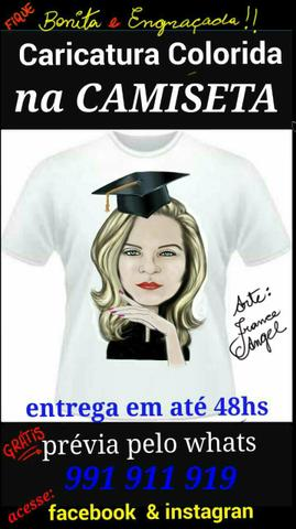 Camiseta com caricatura colorida