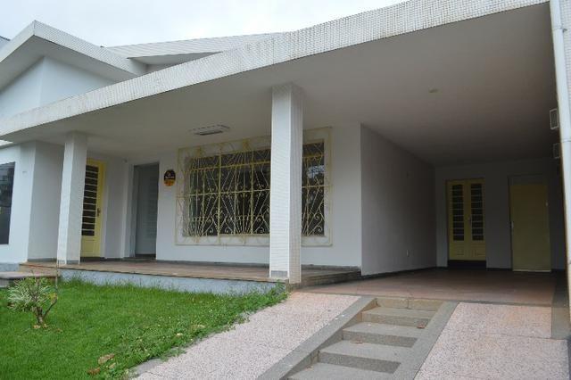 Alugo casa no setor sul com 4 quartos
