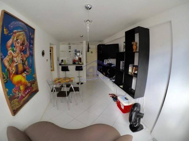 Apartamento quarto e sala com 40m², prédio com piscina - Edifício Ametista 7 - Ponta Verde