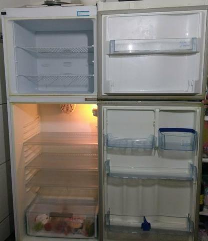 Vendo geladeira em perfeito estado - Foto 3