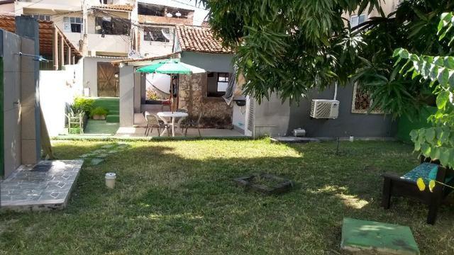Casa com quintal em Itapuã em Excelente localização!(Veja o vídeo no Youtube!) - Foto 8
