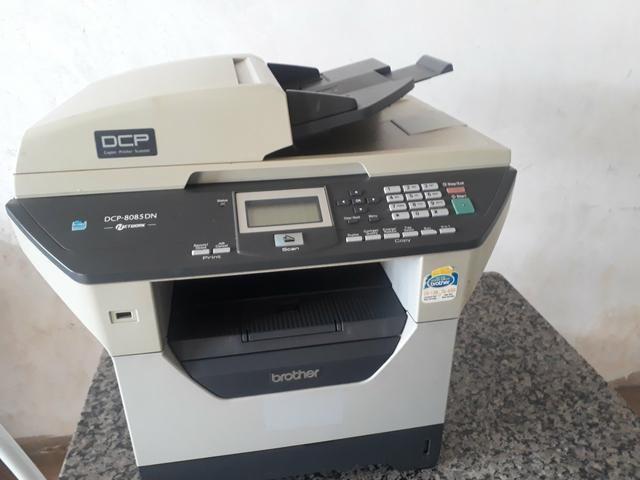 Impressora copiadora multifuncional brother não liga